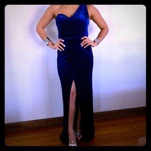 BLUE VELVET ROYAL DRESS WITH SLIT